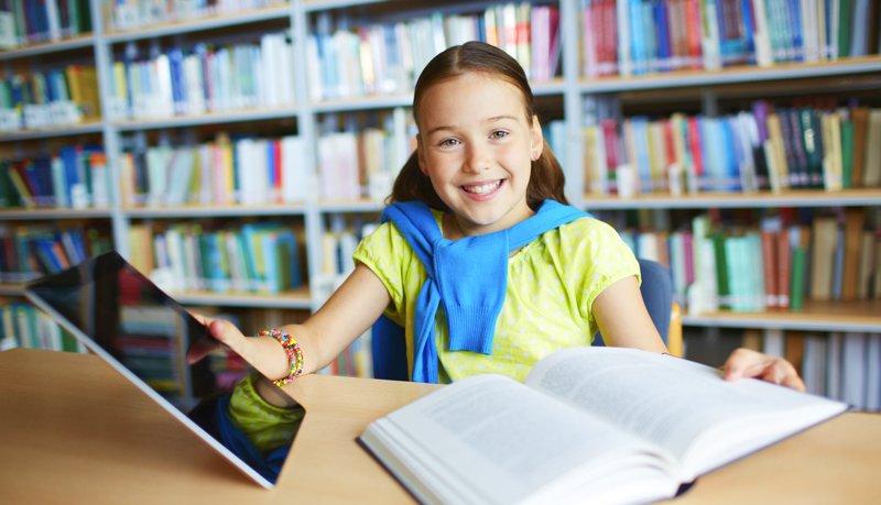 tecnologia e livros na sala de aula